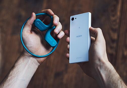 Bluetooth ヘッドホンとしても使える、より幅広いシーンで活躍するスポーツタイプのウォークマン